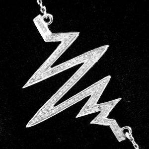 Jewelry - Diamond heart beat